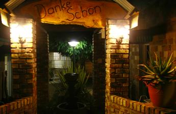 Danke Schon Guest House and caravan Park