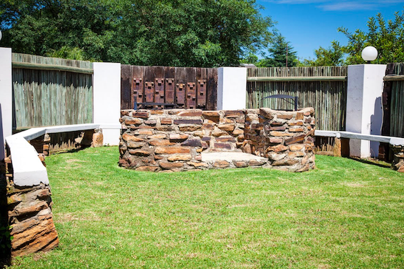 Sundowner Lodge campsites